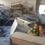 Salle de classe dans une école bombardée