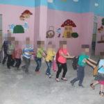 Waisenkinder im Kindergarten, Juni 2016.